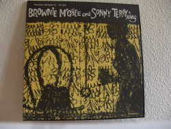 Bild zu Brownie McGhee and Sonny Terry sing von Brownie McGhee