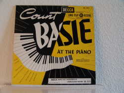 Bild zu Count Basie at the Piano von Count Basie